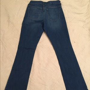 Old Navy sweetheart flare jeans, size 2R.